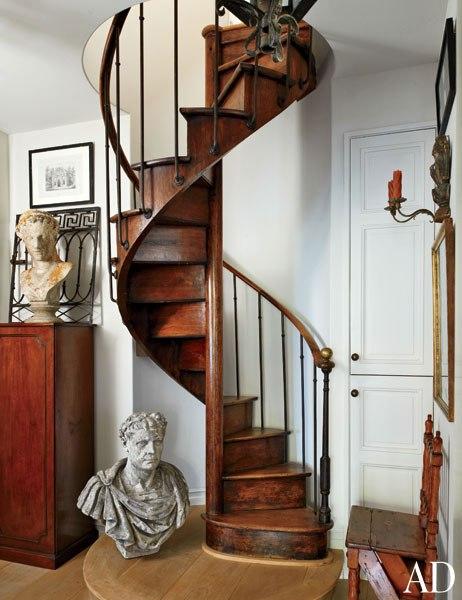 item10.rendition.slideshowWideVertical.lee-stanton-20-laguna-beach-antiques-spiral-staircase-extra