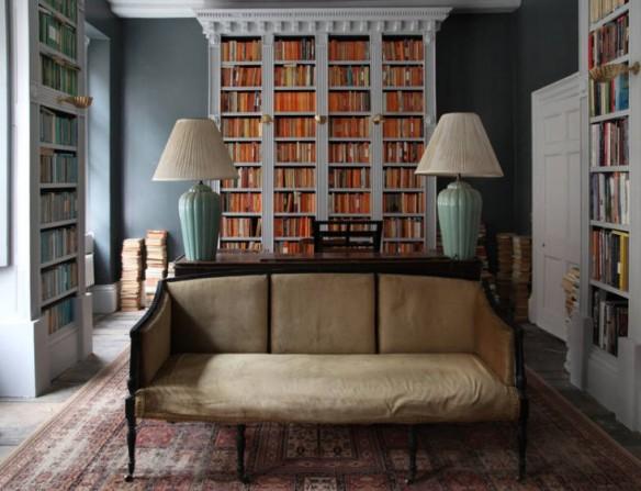 Berdoulat-&-Breakfast-Bath-England-library-Remodelista